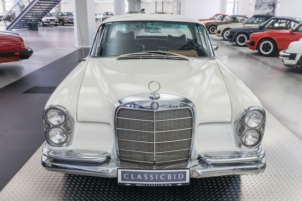 Mercedes-Benz 250 SEb Coupé