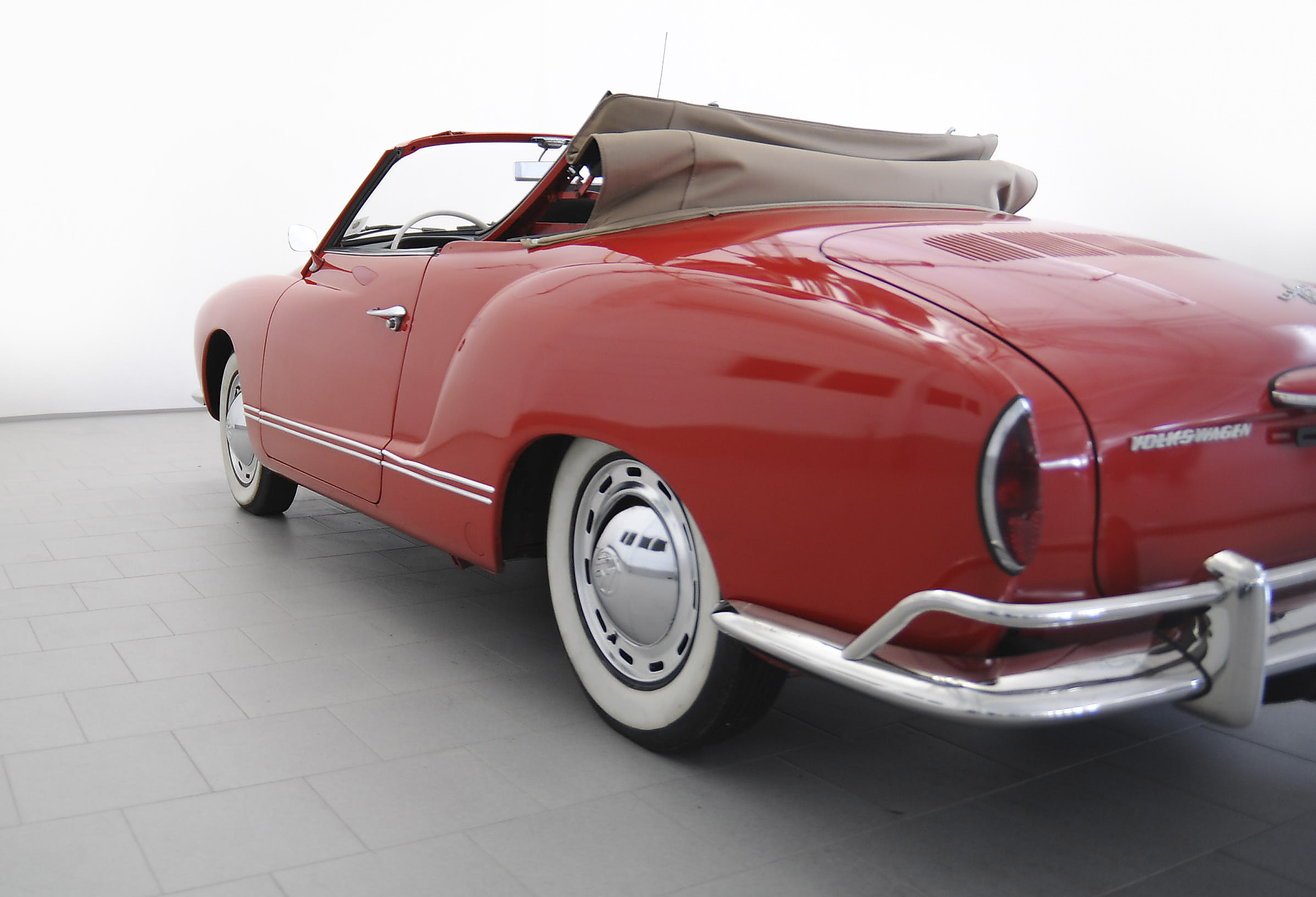 volkswagen karmann ghia classicbid. Black Bedroom Furniture Sets. Home Design Ideas