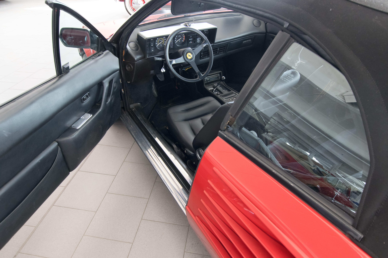 OT0119_11 Gorgeous Ferrari Mondial 3.2 Cabriolet V8 Quattrovalvole Cars Trend
