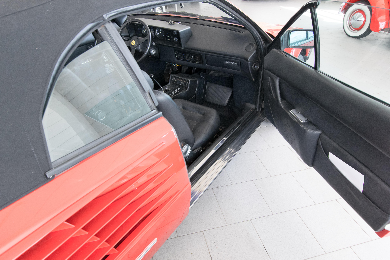 OT0119_12 Gorgeous Ferrari Mondial 3.2 Cabriolet V8 Quattrovalvole Cars Trend