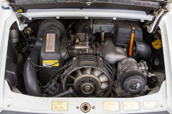 Porsche 911 Carrera 3.2 Cabrio