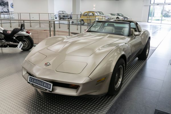 Chevrolet Corvette (C3) Collectors Edition