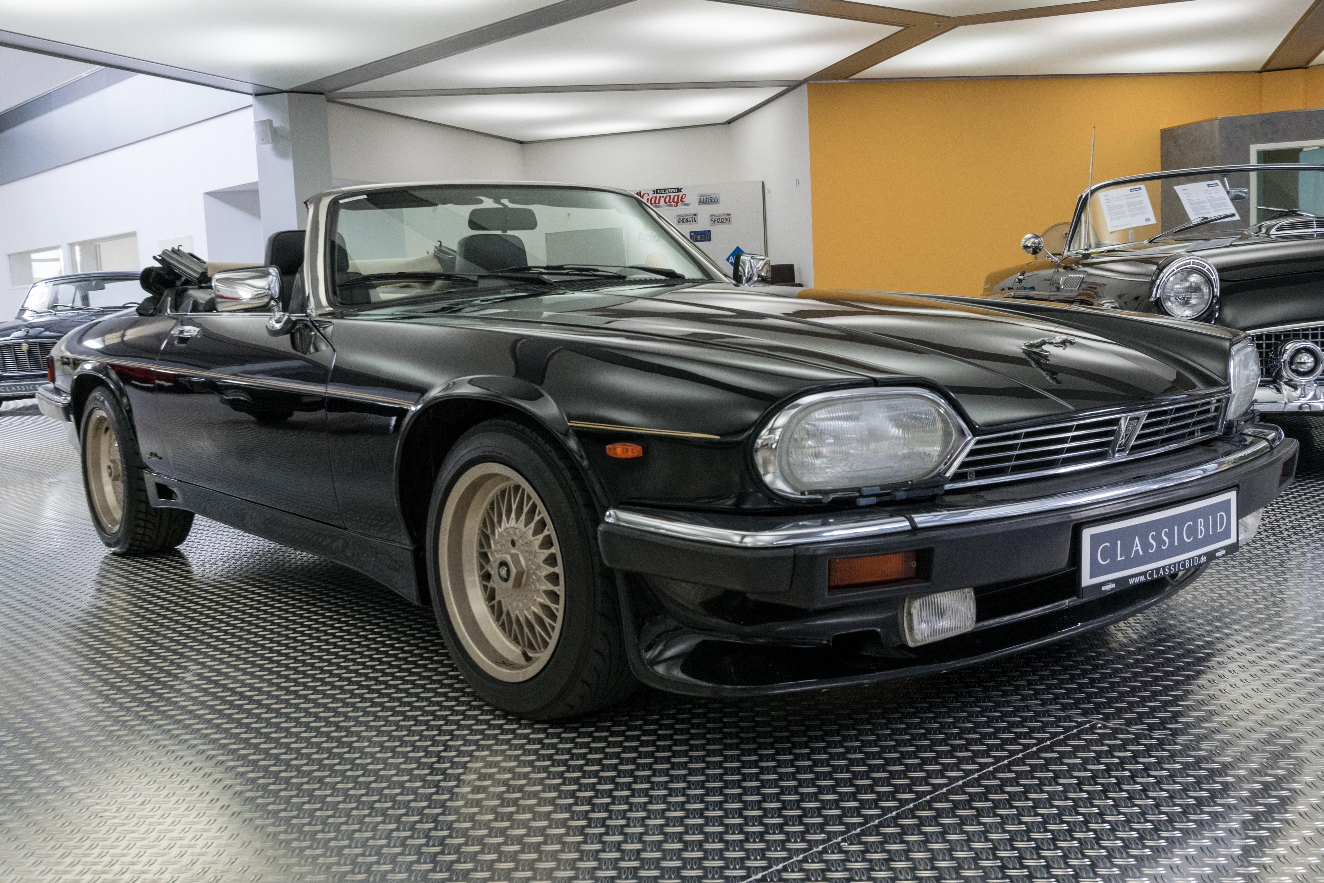 jaguar xjs cabrio classicbid. Black Bedroom Furniture Sets. Home Design Ideas