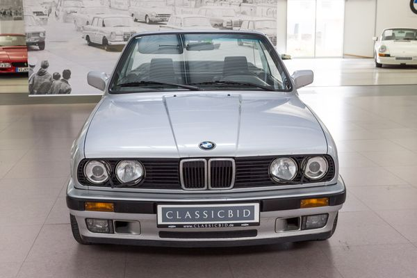 BMW 320i (E30) Cabrio