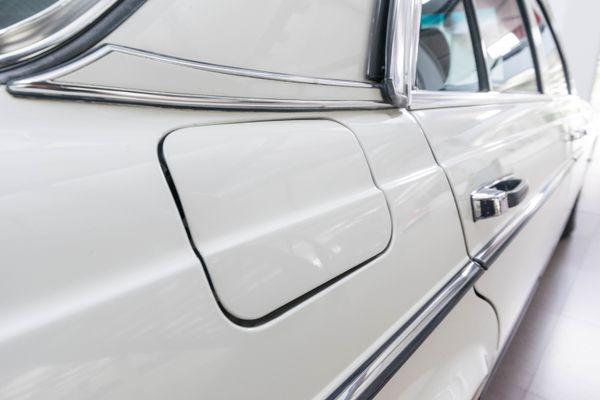 Mercedes-Benz 200 (W123)