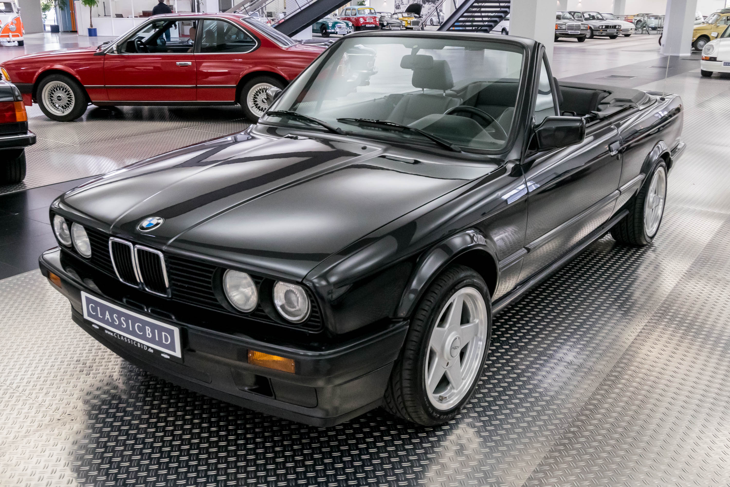 bmw 318 e30 cabrio classicbid. Black Bedroom Furniture Sets. Home Design Ideas