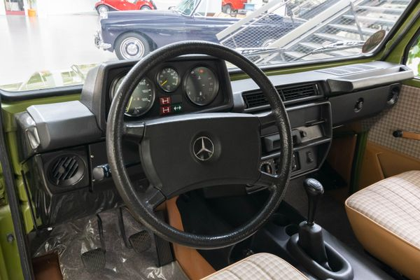 Mercedes-Benz 230 GE