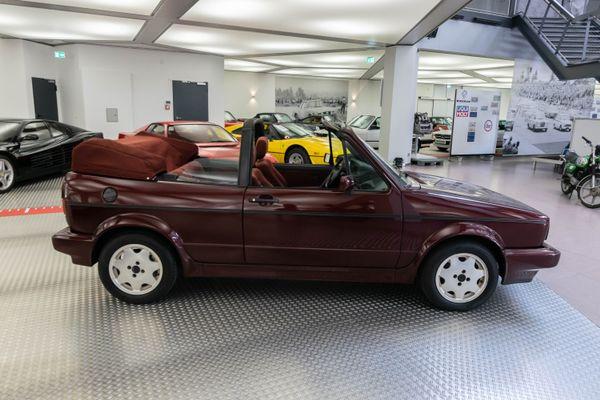 "buy online shopping beauty Volkswagen Golf I Cabrio ""Etienne Aigner"" | Classicbid"