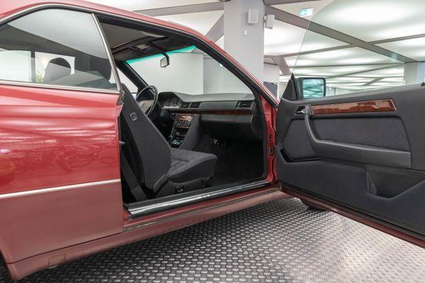 Mercedes-Benz 220 CE