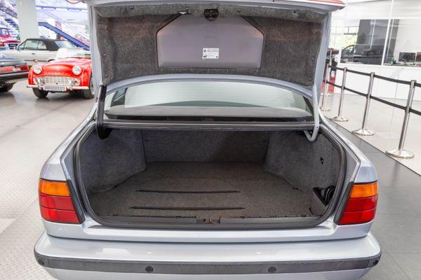 BMW 530i (E34)