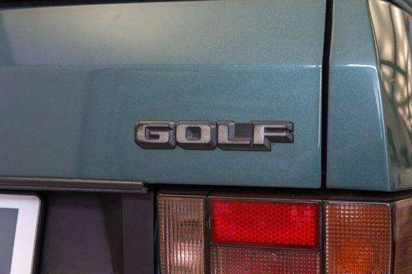 """Volkswagen Golf I Cabrio """"Etienne Aigner"""""""