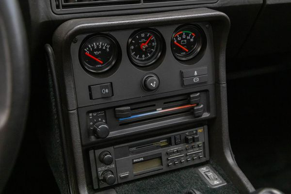 Porsche 924 S Targa
