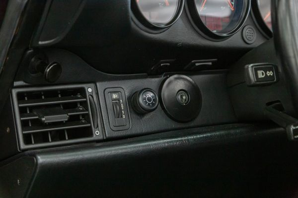 Porsche 911 Carrera 4 Cabrio (964)