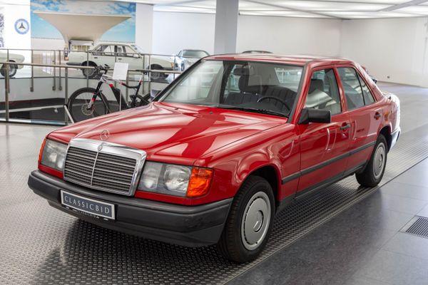 Mercedes-Benz 230 E (W124)