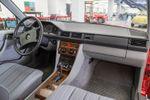 Mercedes-Benz 200 (W124)