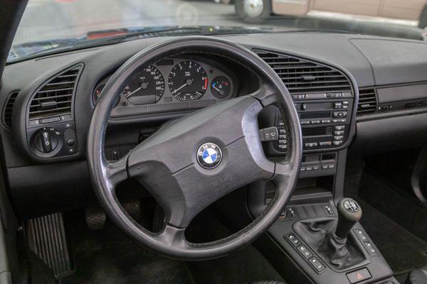 BMW 318i Cabrio (E36)