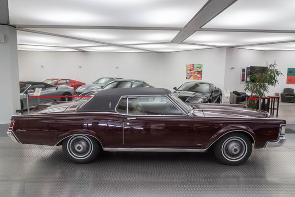 Lincoln Continental Mark III
