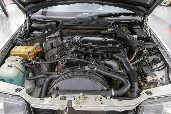 Mercedes-Benz 230 CE (C124)