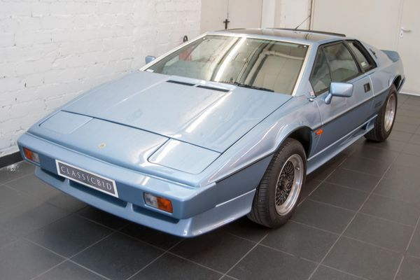 Lotus Esprit Turbo RHD