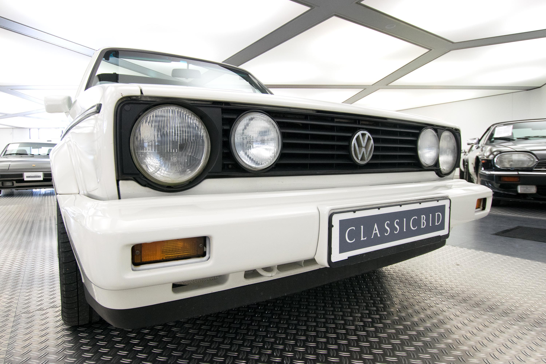 volkswagen golf i cabrio classicbid. Black Bedroom Furniture Sets. Home Design Ideas