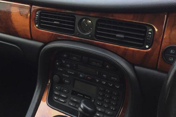 Daimler X308 6-Door Limousine RHD