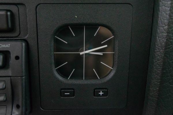BMW 320 i (E30)