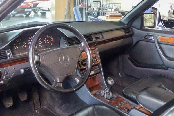 Mercedes-Benz 300 CE-24V Cabrio Sportline