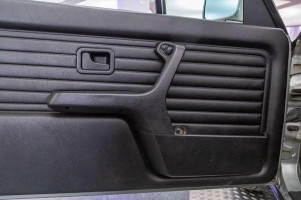 BMW 320 i Cabrio (E30)