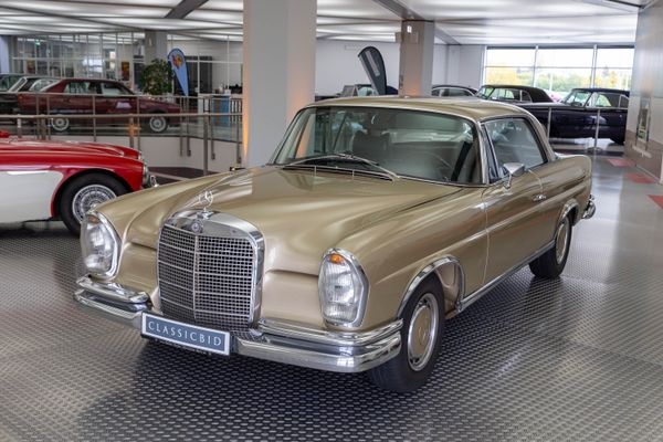 Mercedes-Benz 280 SE Coupé