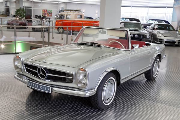 Mercedes-Benz 280 SL Pagode California