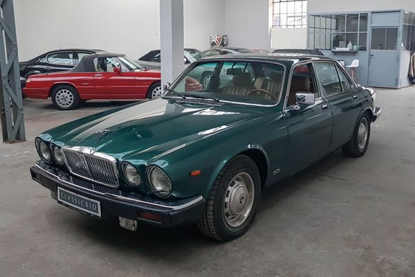 Jaguar XJ 12 H.E. Souvereign