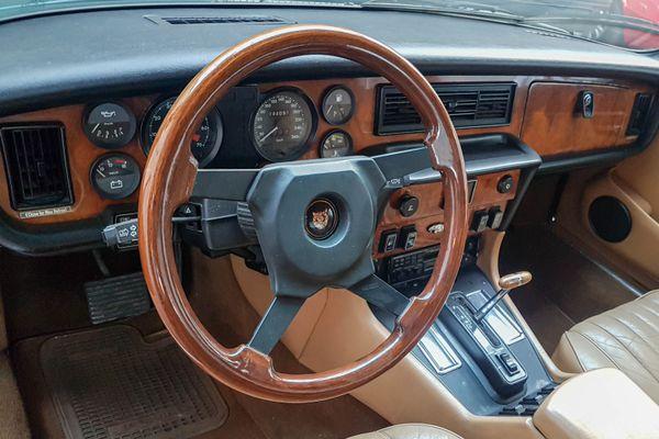 Jaguar XJ 12 H.E. Sovereign