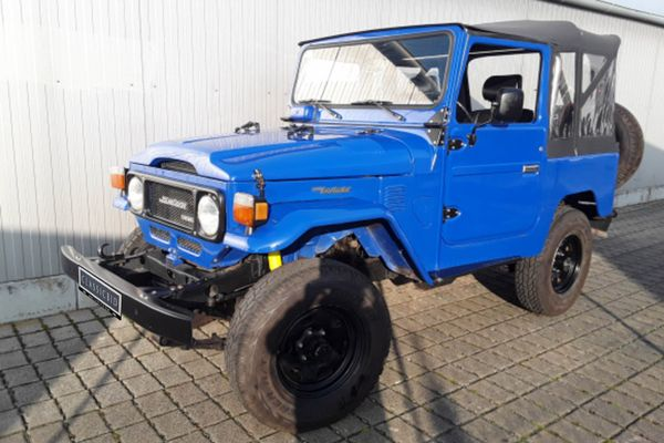 Toyota Land Cruiser BJ 42 Cabrio