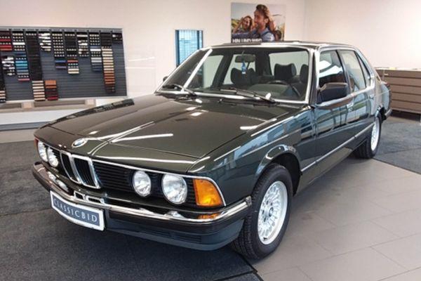 BMW 732i
