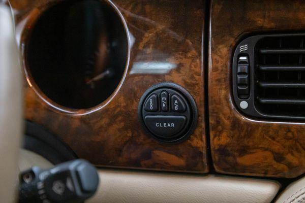 Jaguar XJ  X308 3.2