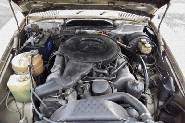 Mercedes-Benz 350 SLC (107)
